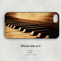 Choice of iphone 5 or 4/4s case  - Piano keys IP021