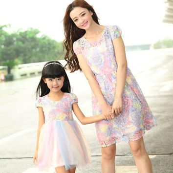 CREYL mother daughter dresses New Summer FAMILY Floral Lace Dresses Mummy Daughter Girl dress Kids Girls Party dress
