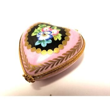 Pink Heart Flowers Rehausse main Gold Trim Limoges Boxes