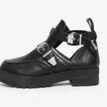 Replica Balenciaga Cut Out Buckle Ankle Boot