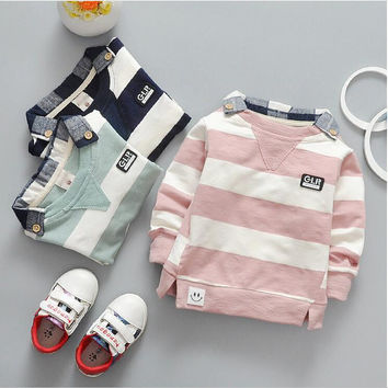 The new cotton 0-2 years old baby long-sleeved clothes boy and girl fashion + free gift