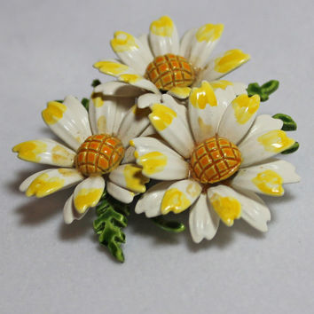 Vintage Yellow White Flower Brooch enamel daisy cluster pin ladies costume jewelry summer style