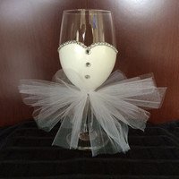 Bride to Be Wine Glass with Rhinestones, Bridal Shower Gift, Wedding Gift, Engagement Gift Hand Painted
