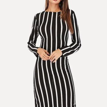 Small round collar Long sleeves Splicing Simplicity Fashion Natural Black and white stripes Knee-length Spring Women's Casual Dresses in 201
