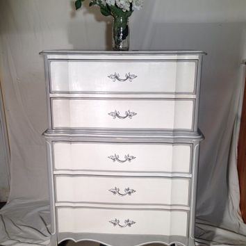 Shabby French provincial chest of drawers