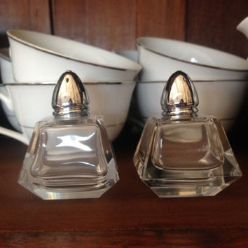Clear Glass Salt and Pepper Shaker Set