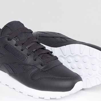 Reebok Classic Trainers With Patent Heel Detal