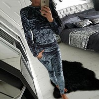 2017 Autumn and Winter Casual Sweat Suits Women Fashion Velvet Suit Two Piece Set Top and Pants Plus Size Velvet Tracksuits
