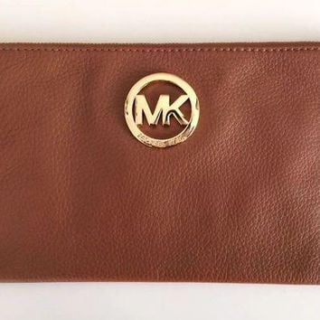 DCCKB7E Michael Kors Tan Wristlet / Clutch / Purse