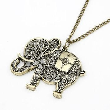 Jewelry Europe and the United States retro personality hollowed elephant Metal Necklace For Women