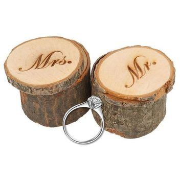 2pcs Wooden Mr  Mrs Shabby Chic Rustic Wedding Ring Pillow Holder Box