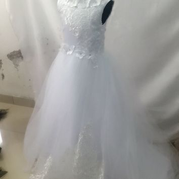 New 2017 White Ball Gown Flower Girl Dresses For Wedding With Shwal Tulle Beads First Communion Dresses Girl Pageant Gown F50