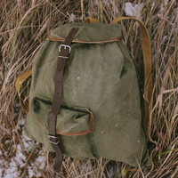 Vintage Hiking Rucksack / Soviet Travel Green Khaki Canvas Backpack, Real Leather Straps / Small Rustic Camping / Scout / Explorer Bag, USSR