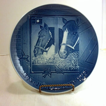 """Collectible Christmas Plate 9"""" - Vintage Danish B and G - Blue and White Horses on Christmas in the Stable - Gift Idea"""