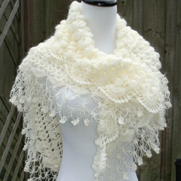 Bridal Shawl / Shrug / Bolero / Ivory Shrug / Bridal Shrug  / Wedding Shawl