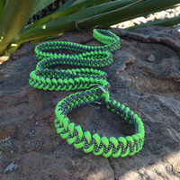Macrame slip lead, Green and black with white dotsr 6'