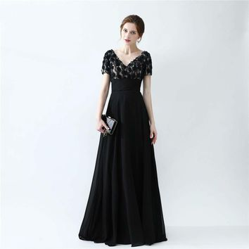 Light Champagne And Black Evening Dresses High Quality Handmade Flower With Beading Short Sleeves Evening Gown V Back