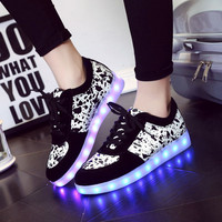 Round-toe Flat Lightning Shoes Low-cut Casual Noctilucent Korean LED Lights [6734559047]