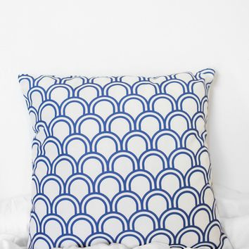 Scalloped Printed Pillow Case - Cobalt