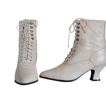 White Granny Boot Lace Up Granny Boot Ivory Leather Boot Boho Chic Bohemian Boot Leather Ankle Boot 80s Boot Ladies Boot French Heel Shoe