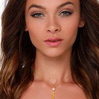 Bait and Tassel Gold Pearl Necklace