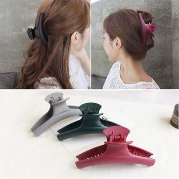 ESBONRZ 2017 New Fashion Simple Hair Clip Hair Claw Hair accessories for Women Hair Crab Clamp Big frosted acrylic clip Headwear