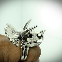 Triceratops Skull Ring Jurassic park in white bronze design by mafia studio