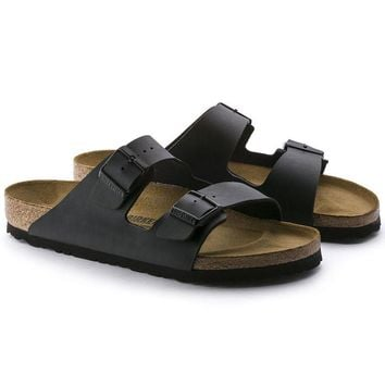2017 Hot Sale Arizona Birkenstock Summer Fashion Leather Sandals For Women Men color Black size 34-46