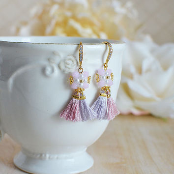Pink bridesmaids tassel earrings with Swarovski crystals / Pink beaded tassel earrings / Gift for her / Fringe earrings / Bridesmaid gift