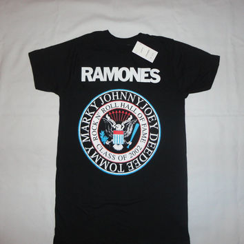 THE RAMONES EAGLE SEAL NEW T-SHIRT: S M L XL 2XL PUNK ROCK HEY HO LETS GO JOEY Tops Male T Shirt Men O-Neck Stylish