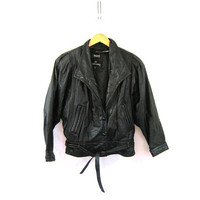 vintage black leather jacket. motorcycle jacket. bomber jacket. Cropped leather coat. Womens M
