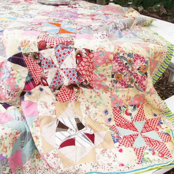 Pinwheel Quilt Fabric Handpieced - Pastel Floral Stripes Feedsack Feed Sack - Shabby Cottage Farmhouse Chic - 1940's 50's - PRETTY