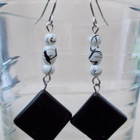 Black Glass Diamond Disc, Black & White Beaded Dangle Earrings, Fashion Jewelry, Statement Piece, Bold Earrings, Black and White, Geometric