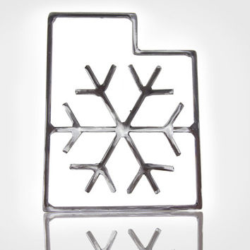 Metal Utah State Outline w / Snowflake - Welded steel coated in epoxy - Metal Wall Art