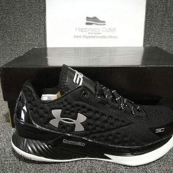 DCCKBE6 Under Armour Curry 1 Low Black