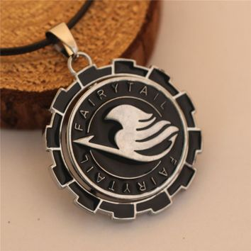 2015 New Fairy Tail Rotatable Logo Metal Necklace Cosplay Jewelry Anime Figure Round Pendant Accessories Fairytail Gifts