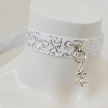 Kitten play collar - Silver lilium - ddlg BDSM proof white choker necklace with fleur de lis pendant - lolita little neko pet