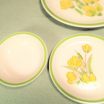 Stonybrook Stoneware Bread and Butter plate, bright daffodil yellow flower dinnerware