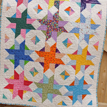 Baby Quilt, Star Pattern Quilt, Star Burst Quilt Pattern, Gender Neutral Quilt, 41 x 53 inches, Child Quilt, Baby Quilt, Toddler Quilt