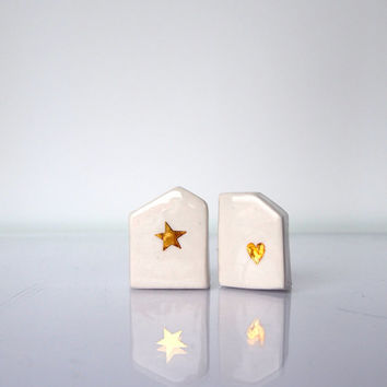You and Me, Minimalist White Glossy Glazed Ceramics Sculptures with Gold star and heart For Desk or Shelf - Ceramic mini village, Set of two