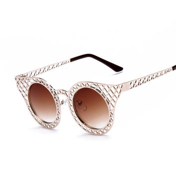 Metal Hollow Out Cat Eye Sunglasses Women Vintage rihanna Sun glasses Design Decoration Glasses Oculos Faminino S15023