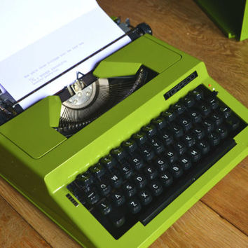 Working Typewriter - Olive Green Torpedo Streamliner - Working perfectly