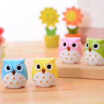 BuW Owl Shaped Double Holes Pencil Sharpener(Random Color) , cute creative Stationery and office supplies