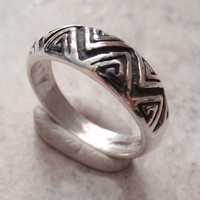 Zig Zag Band Ring Tapered Sterling Silver Chevron Design Size 10 Vintage CW0300