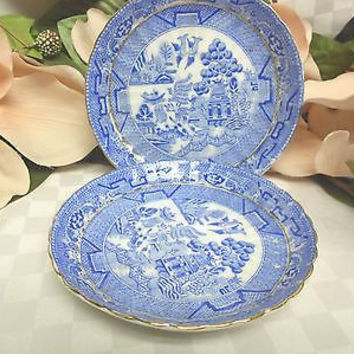 Royal Grafton China Dinnerware England Bone Blue willow Era 1900-1913 2 saucer