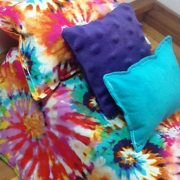 Doll bedding in  tie dye design for 18 inch dolls, 4  piece bedding, 3 pillows, colorful doll  blanket in cotton fabric