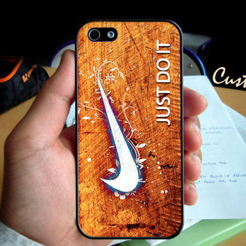 Nike Just Do It Logo Wood Creative Effect  - Photo Hard Case design for iPhone 4/4s Case, iPhone 5 Case, Black or White ( Choose Option )