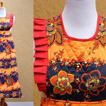 Vtg 70's Quilted Sleeveless Maxi dress Floral Orange Red Blue frilly apron fit waist tie size 6 Medium